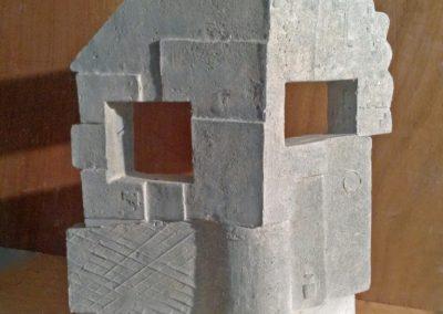 4.Gevelbeeld 2015-, cement,h51cm (Medium)