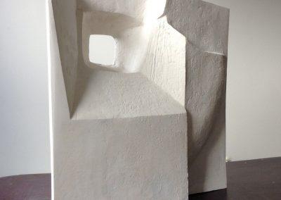 7-MarinavanderkooiVensterbeeld 2016, cement, 56cm hoog.